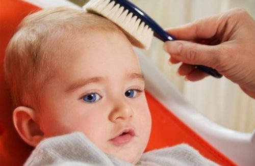 Причесывание малыша
